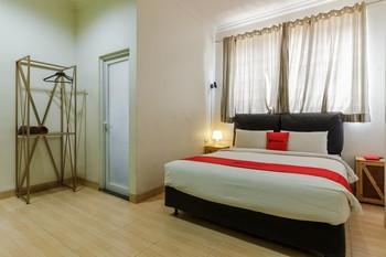 RedDoorz near Lokasari Square Jakarta 2 Jakarta - RedDoorz Premium Room 24 Hours Deal