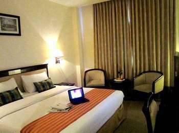 Plaza Inn Kendari - Deluxe Room Regular Plan