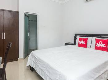 ZenRooms Seminyak Gang Rahayu - Double Room Regular Plan