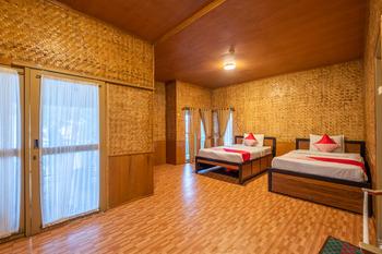 OYO 705 Puncak Darajat Resort Garut - Deluxe Twin Room Regular Plan
