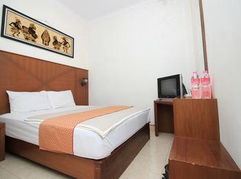 Hotel Poncowinatan Yogyakarta - Superior Room Only Regular Plan