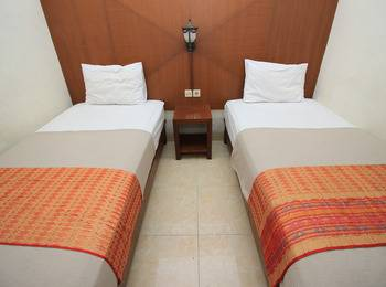 Poncowinatan Hotel