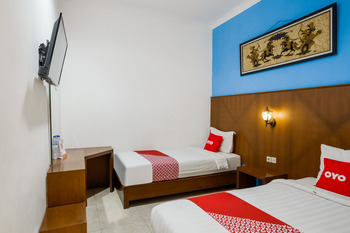 OYO 3787 Hotel Poncowinatan Yogyakarta - Deluxe Twin Room Promotion