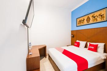 OYO 3787 Hotel Poncowinatan Yogyakarta - Deluxe Double Room Promotion
