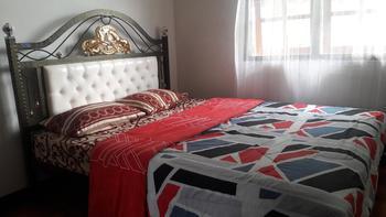 Marselino's Homestay Ngada - Double Bed Shared Bathroom Regular Plan