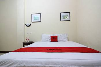 RedDoorz @ Mantrijeron 2 Yogyakarta - RedDoorz Room with Breakfast Regular Plan