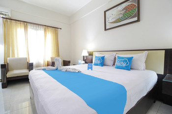 Airy Alun Alun Malang Aries Munandar 41 - Superior Double Room with Breakfast Special Promo Aug 28.