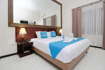 Airy Alun Alun Malang Aries Munandar 41 - Deluxe Double Room with Breakfast Regular Plan