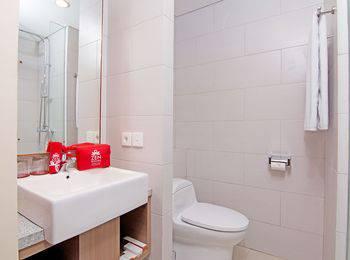 ZenRooms Benesari 6 Legian Kuta Bali - Double Room Only Regular Plan