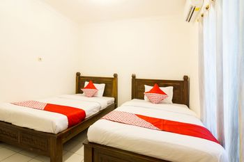 OYO 857 Pakuncen Malioboro Syariah Yogyakarta - Standard Twin Room Regular Plan