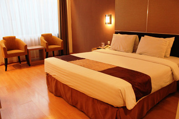 Grand Inna Tunjungan - Superior With Breakfast Regular Plan