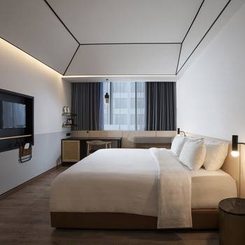 GAIA Cosmo Hotel Jogja - Deluxe Premium Regular Plan