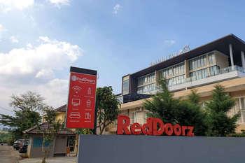 RedDoorz near Jawa Timur Park 2