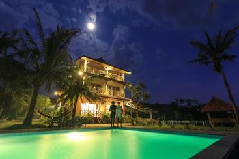 The Tree House Sumbawa Dompu - Deluxe Sea View twin room Regular Plan