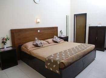 Cherry Red Hotel Medan - Standard A Regular Plan