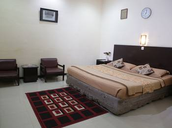Cherry Red Hotel Medan - Deluxe Room Regular Plan