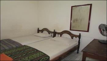 Hotel Srikandi Lombok - Standard Fan Triple Room Only Regular Plan