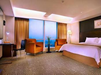 The Alana Surabaya Surabaya - Deluxe Room with City View Smooking LOng Stay Booking