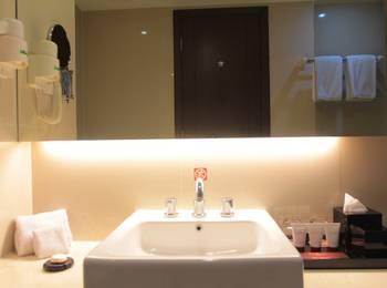 The Alana Surabaya Surabaya - Deluxe King Room Early Bird 25%