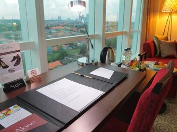 The Alana Surabaya Surabaya - Club Room Regular Plan