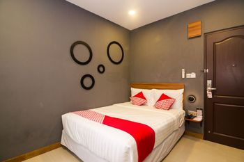 OYO 1327 Avava Inn Batam - Deluxe Double Room Regular Plan