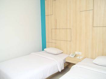 Dewanti Hotel Cirebon - Standard Twin Room Regular Plan
