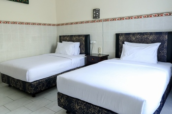 City Garden Bali Dwipa Hotel Bali - Deluxe Twin Room Only Same Day Deal