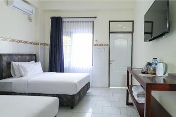City Garden Bali Dwipa Hotel Bali - Deluxe Twin Room Stay Longer Promotion !