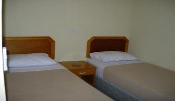Hotel Sakura Tarakan Tarakan - Economy Twin Share Bathroom Regular Plan