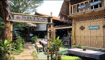 Sriya Cafe & Homestay