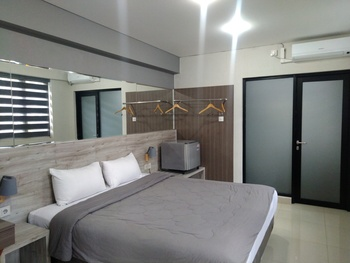 City Edge Guest House Sumedang - Superior Double with breakfast Regular Plan
