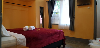Dewi Sri Guest House Lombok - Superior Queen Room Regular Plan