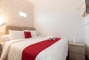 RedDoorz Plus near Trans Studio Cibubur 2 Bekasi - RedDoorz Room Basic Deal