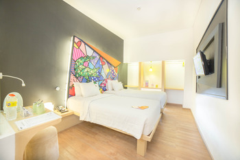 MaxOne Hotel Surabaya - Happiness Twin Bed Room Only 02April-31Des2020PROMO