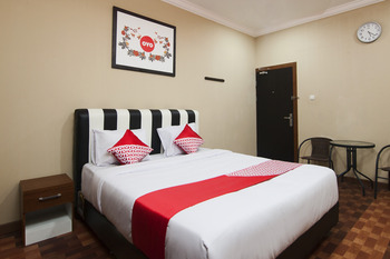 OYO 799 Hotel Dieng Karo - Standard Double Room Regular Plan