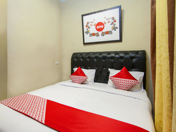 OYO 799 Hotel Dieng Karo - Standard Double Room Regular Plan