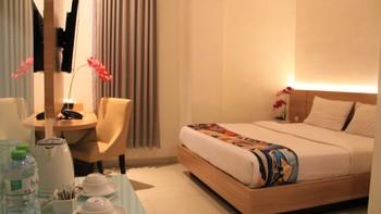 Picasso Inn Jakarta - Deluxe King Room Only Regular Plan