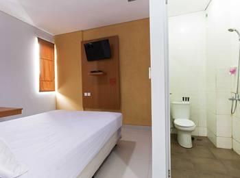 RedDoorz near Thamrin City Jakarta - RedDoorz Room Special Promo Gajian!