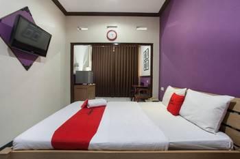 RedDoorz @ Urip Sumoharjo Surabaya - RedDoorz Suite Room Last Minute