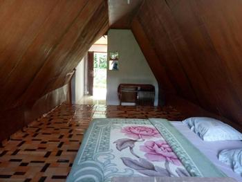 Laster Jony's Guest House Danau Toba - Standart Double Budget Room FC Min Stay 2N 45%