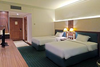 Hotel Tunjungan Surabaya - Deluxe Premier Breakfast Over Stay Deluxe Premier & Executive BF Promo 55