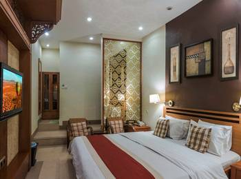 Dhanesvara Homestay Surabaya - Superior Room Regular Plan