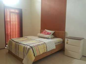 Homestay Nurin Jember - Standard Room Only Regular Plan
