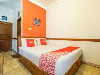 OYO 1945 Hotel Bali Near RS Muhammadiyah Bandung - Deluxe Double Room Regular Plan