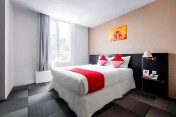OYO 472 Hotel Asyra Makassar - Standard Double Room Regular Plan