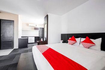 OYO 472 Hotel Asyra Makassar -  Suite Double Room Regular Plan
