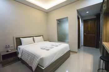 W House Syariah Yogyakarta - Deluxe Room Only Regular Plan
