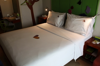 MaxOne Hotel Sabang - Max Happiness Double - Room Only (Smoking) Regular Plan