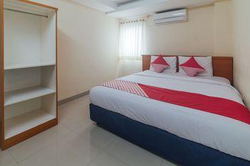 OYO 1448 Mangga Dua Guest House Ambon - Standard Double Room Great Sale