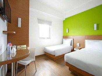 Amaris Hotel Ponorogo - Smart Room Twin Regular Plan